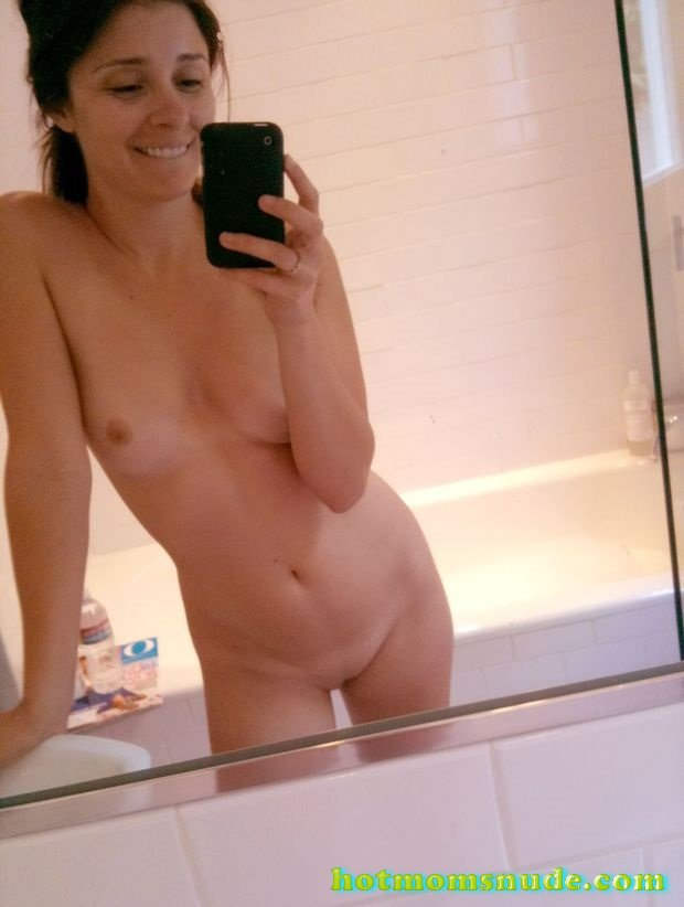 Hot Mom Selfies (30)