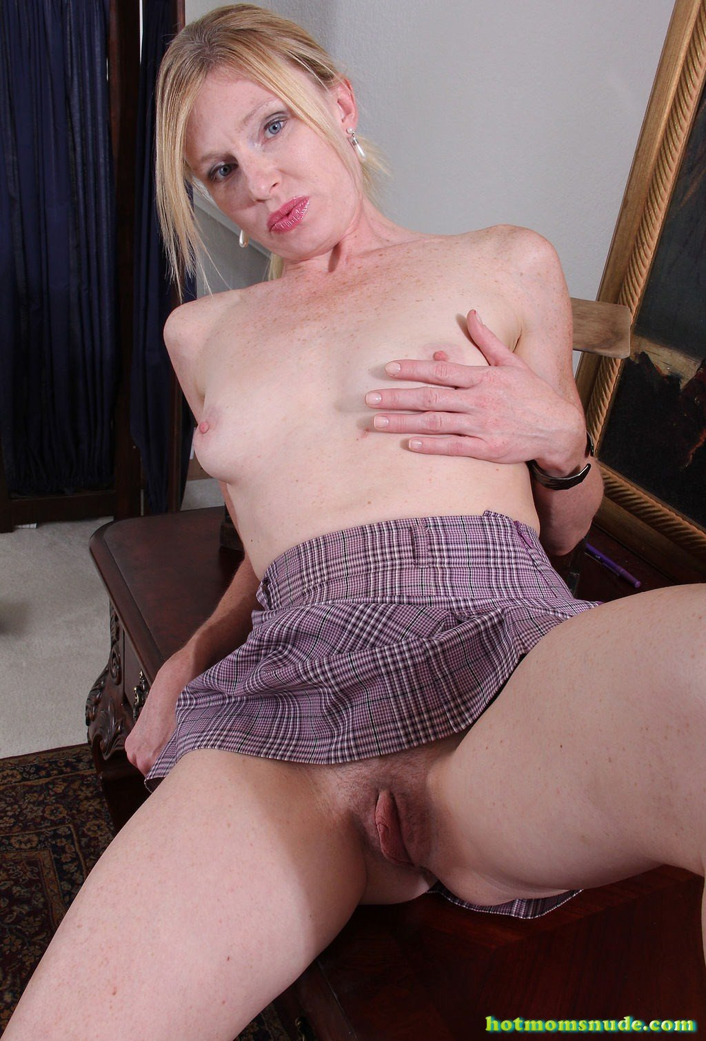 Tommi,Lacey Nude Pics And Biography - Hot Moms Nude-1841