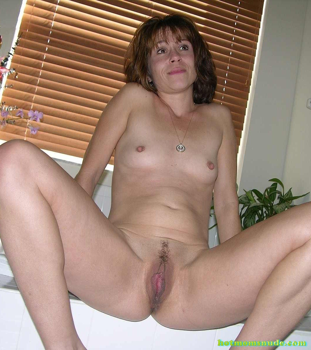 nude real milfs (100)