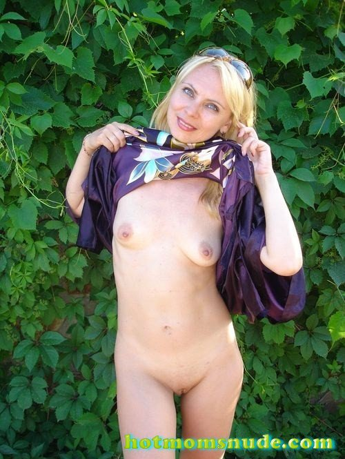 nude real milfs (163)
