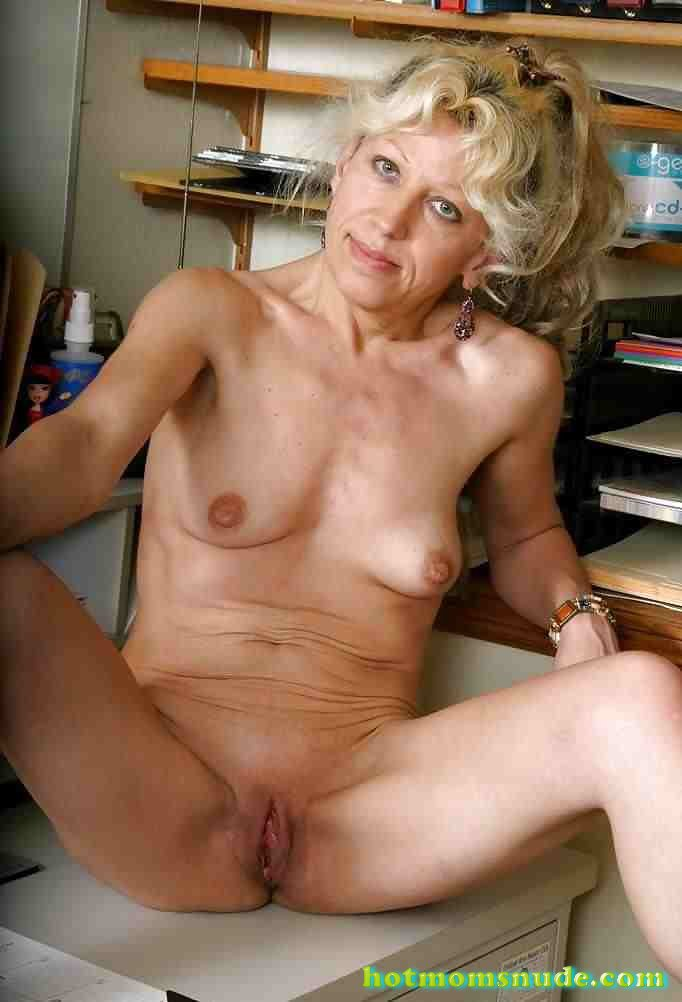 real nude matures (41)