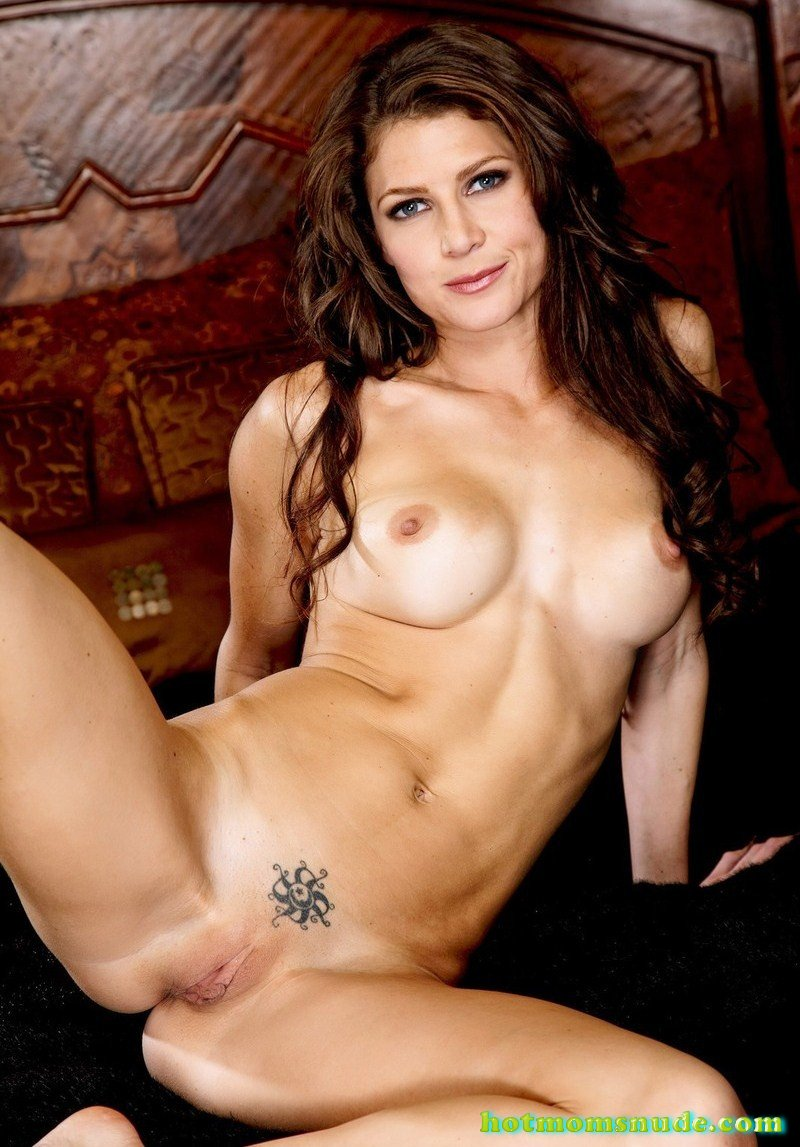Hot Jenni Lee nude pics and biography