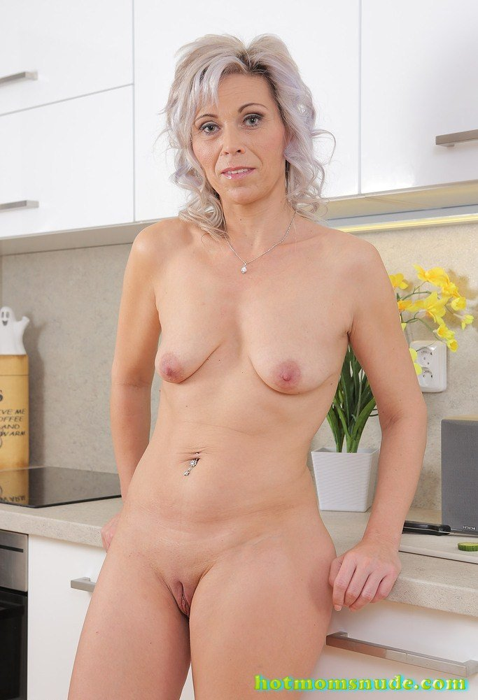 Kathy White Nude Pics And Biography  Hot Moms Nude-7501