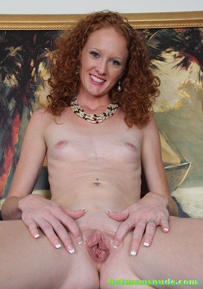 Hot Mom Ande nude pics and biography