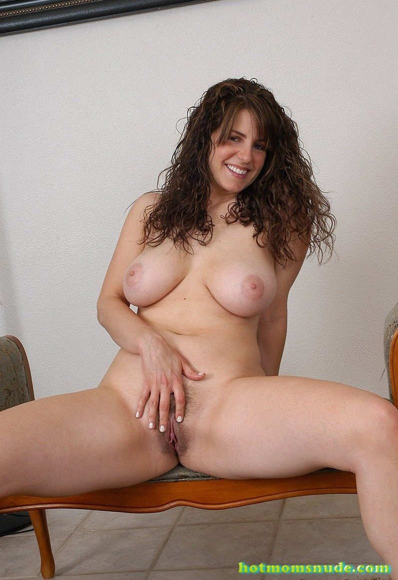 Hot Mom Tori Nude Pics And Biography - Hot Moms Nude-7587