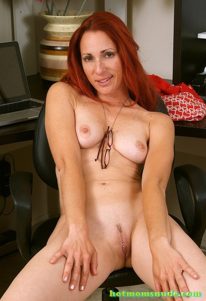redhead-nude-moms-black-bitch-sucking-cock