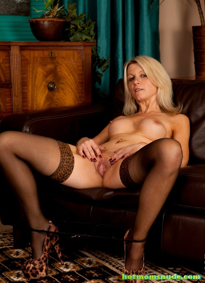 Emma Jane Nude Pics And Biography - Hot Moms Nude-2214